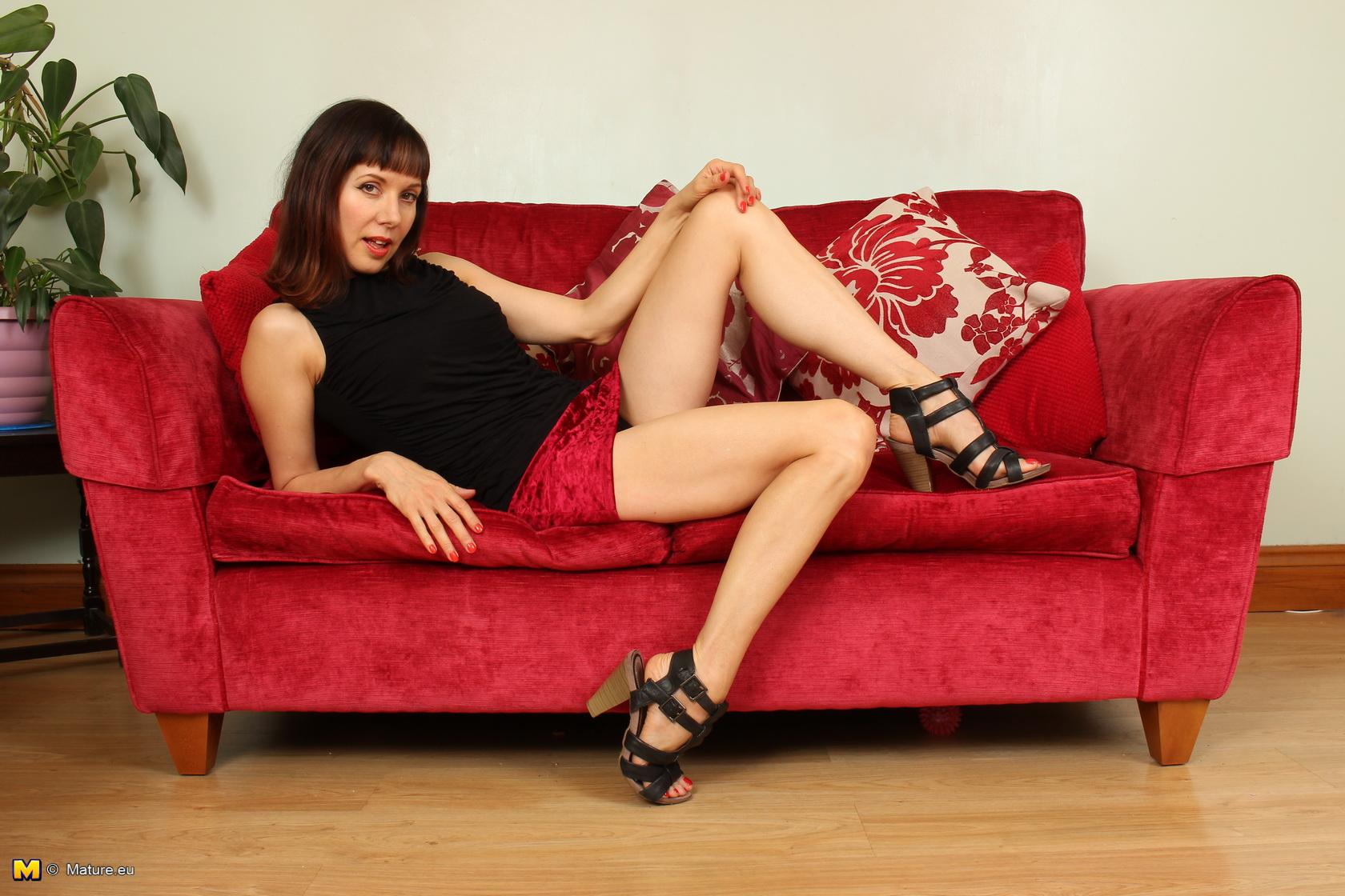 Cute British housewife feeling a bit frisky
