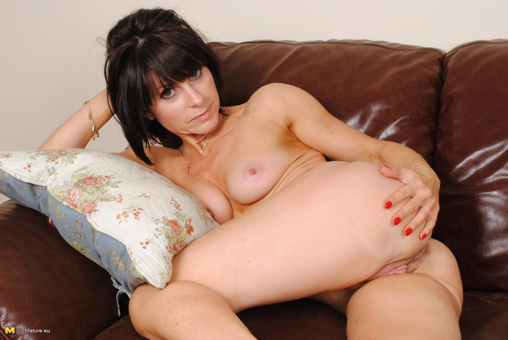 Mature Women British Horny#1