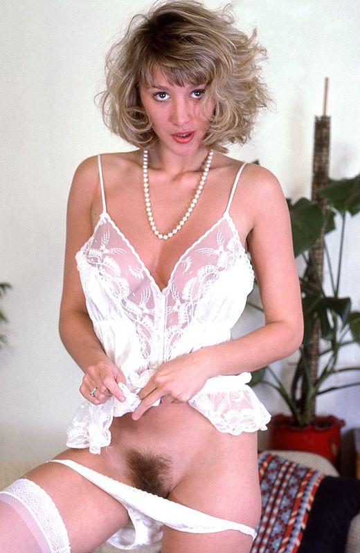 Lorraine ansell busty british babe 3